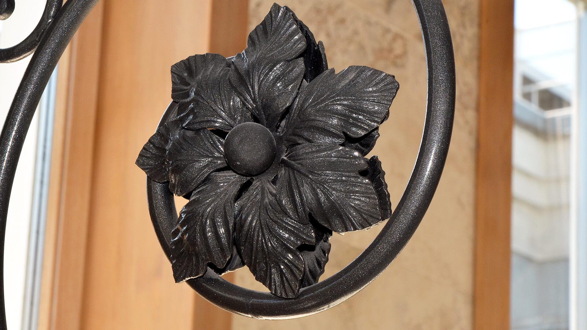 Символизм кованых элементов
