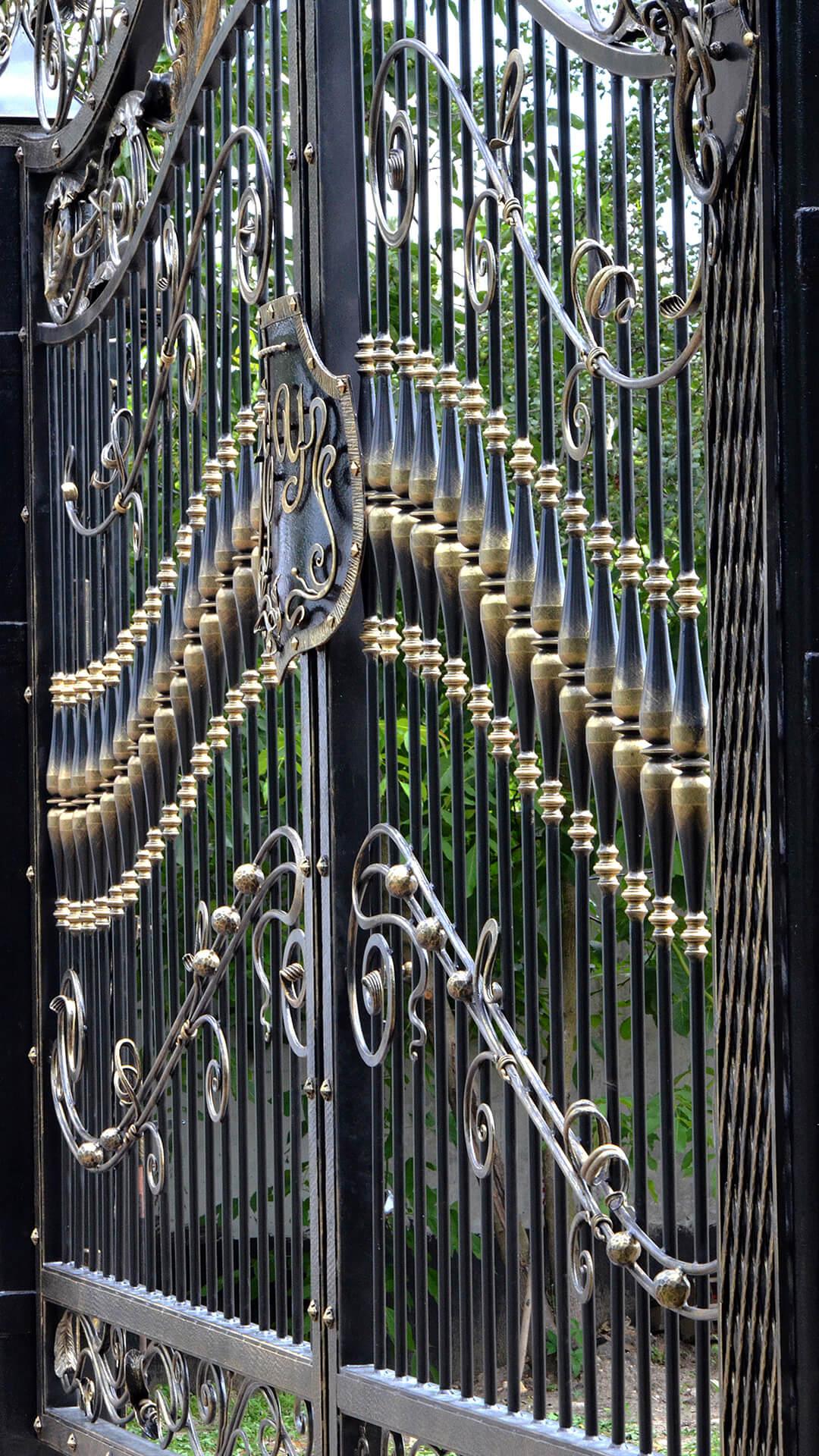Кованые ворота по индивидуальному проекту
