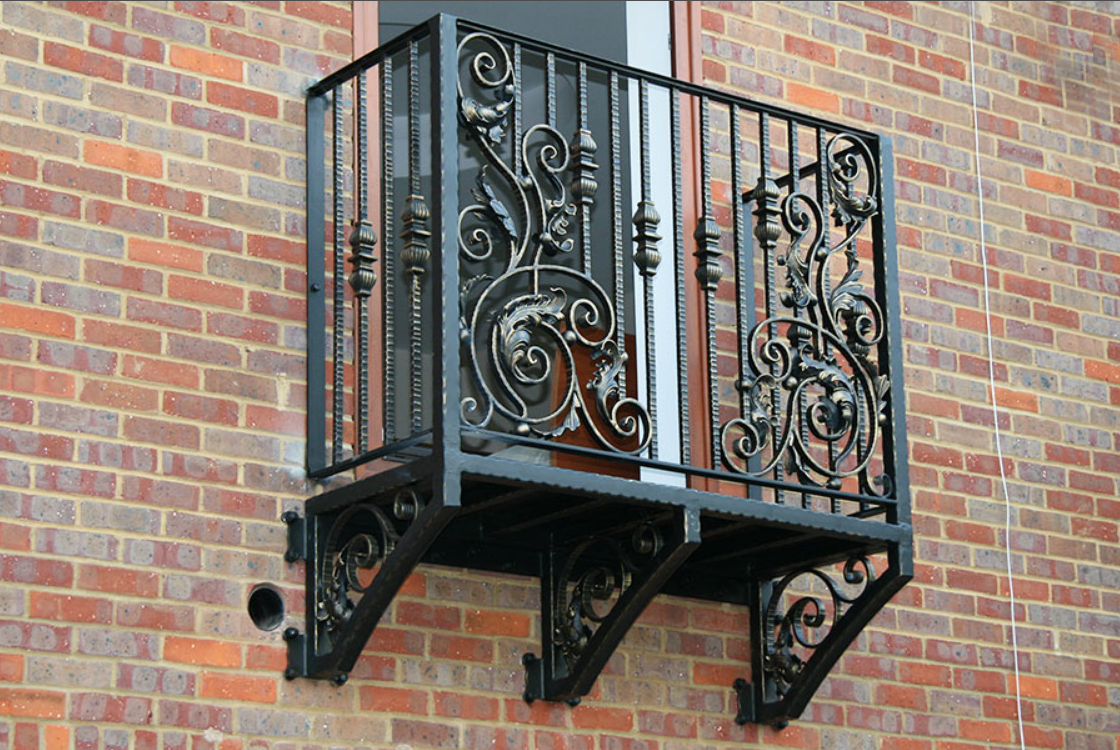 Кованый балкон, 1 м.п., арт. 40005