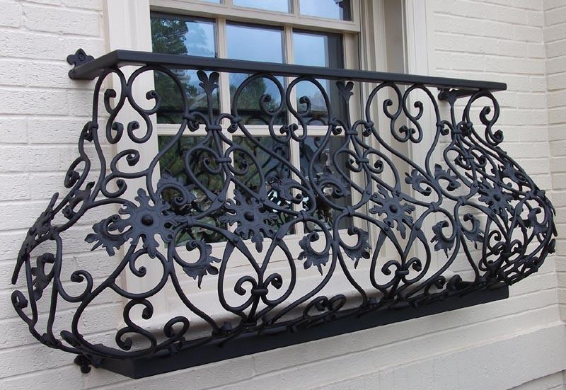 Красивый Кованый балкон КБ-2 фото