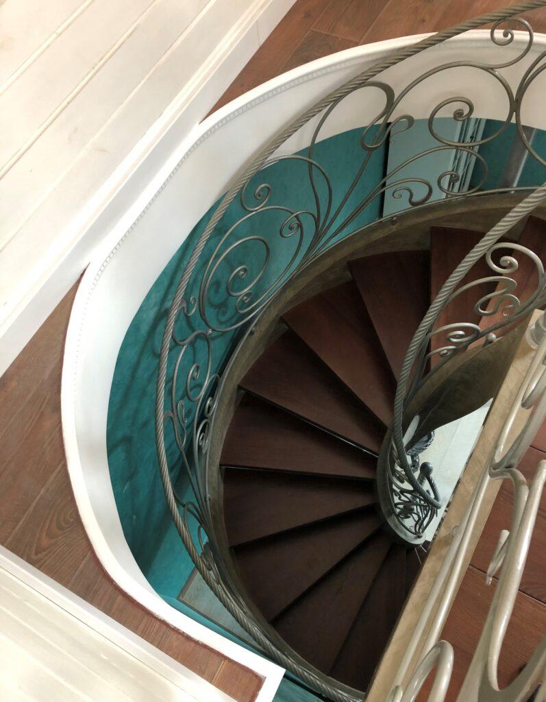 лестница круглая винтовая
