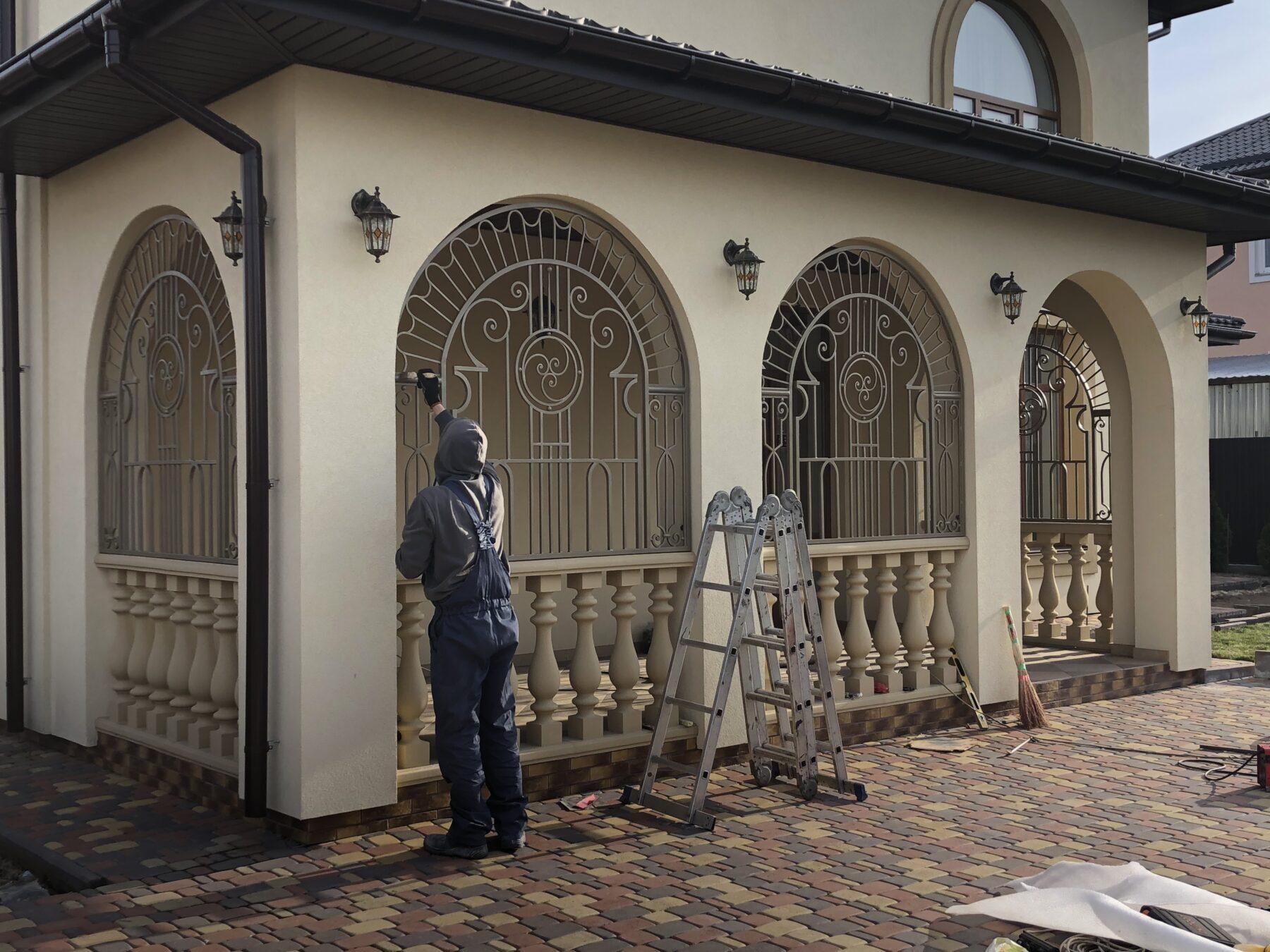 кованые решетки на окна буча