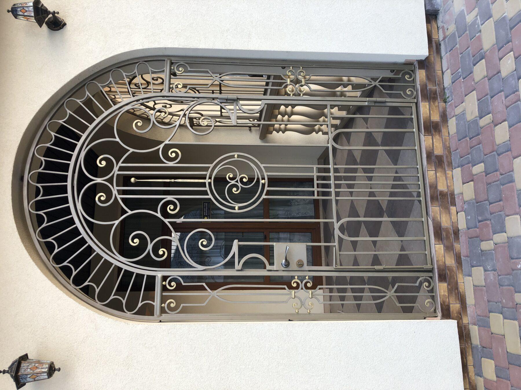 дверная решетка