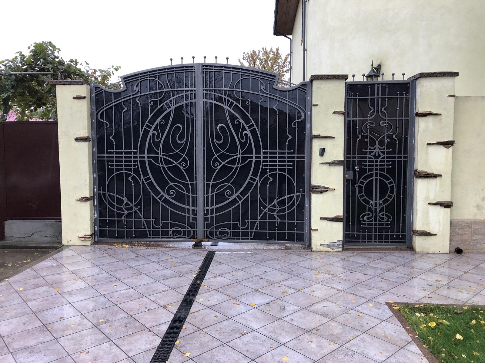 Кованые распашные ворота, арт. 20013