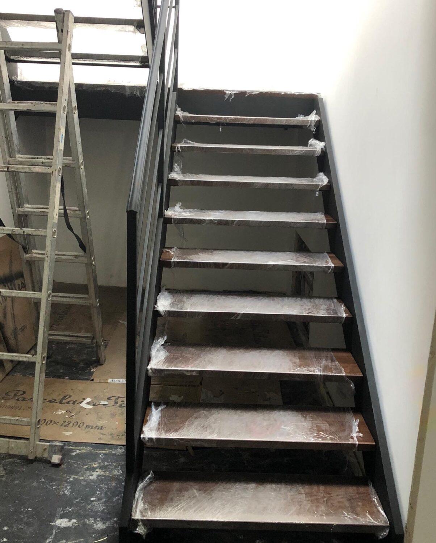 Металеві сходи, 1 м.п., арт. 70003