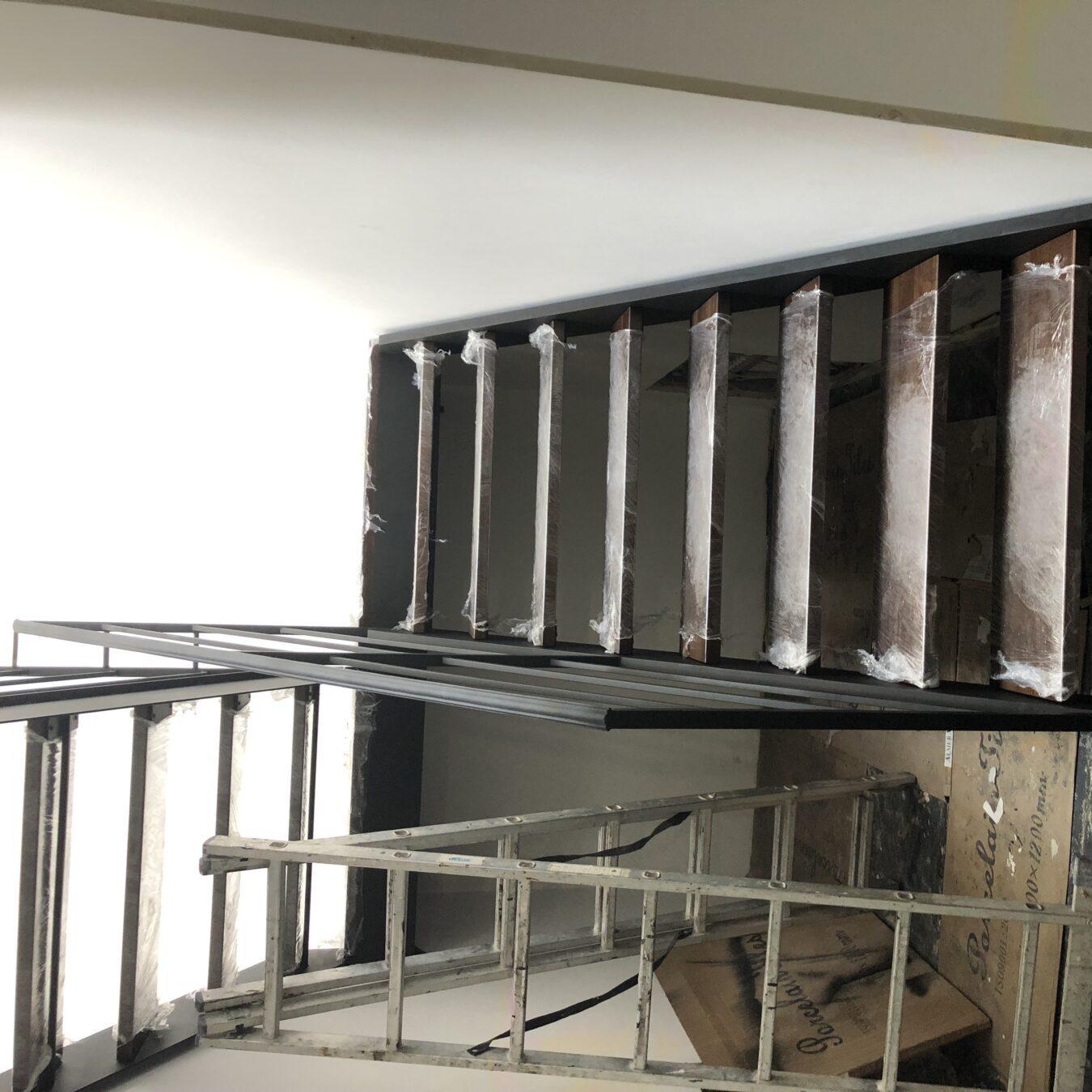 Металлическая лестница быстро