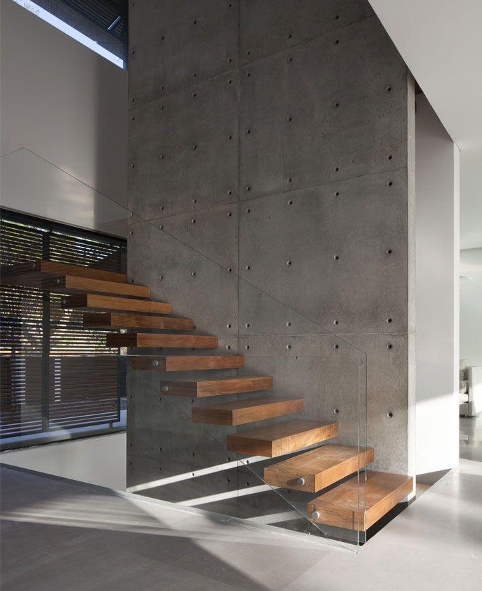Консольная лестница, 1 м.п., арт. 70007